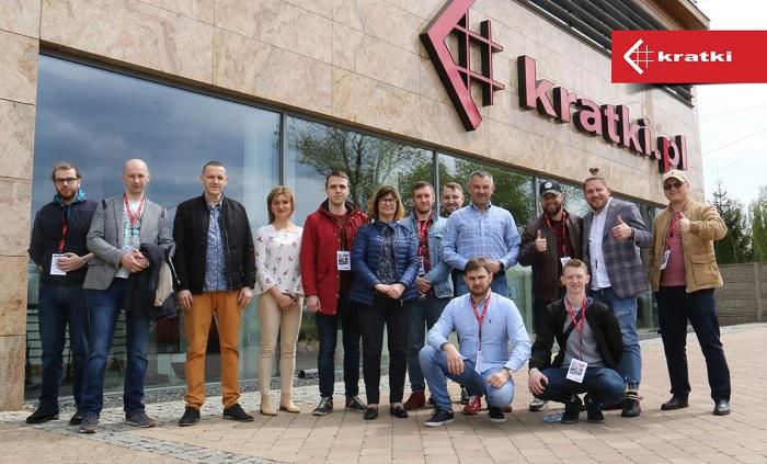 Сотрудники Народного камина на заводе Kratki в Польше